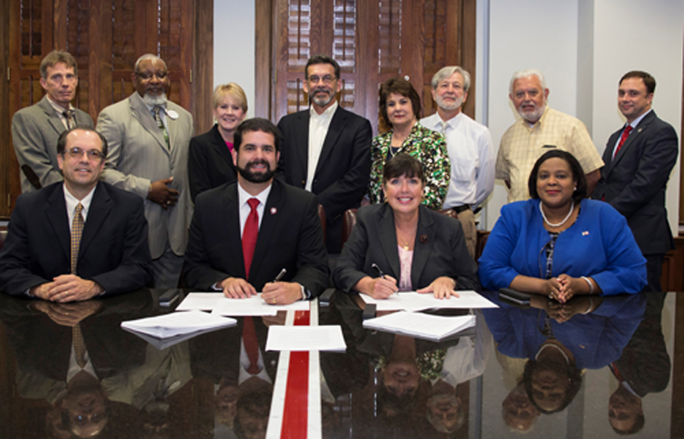 VSU, CTC Signing Agreement